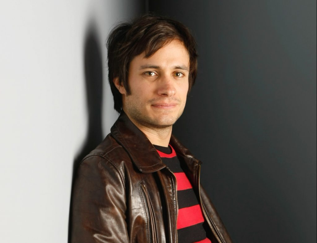 """Actor Gael Garcia Bernal of """"Rudo y Cursi"""" poses for a portrait at the Gibson Guitar Lounge during the Sundance Film Festival in Park City, Utah, on Saturday, Jan. 17, 2009. (AP Photo/Mark Mainz)"""