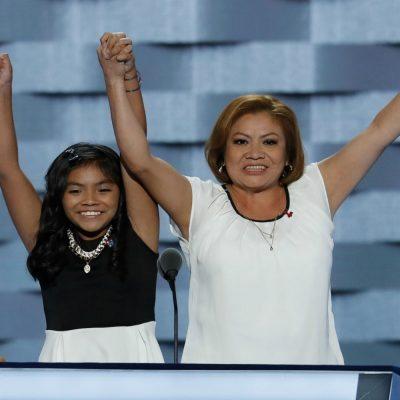 Karla Ortiz, una niña de tan solo 11 años, da un impactante discurso en la DNC