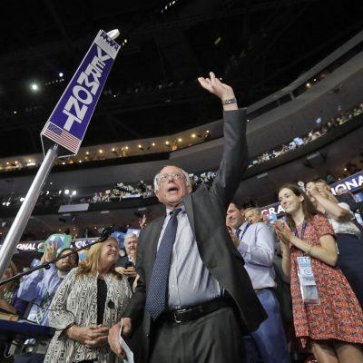 #Histórico: Clinton gana la nominación, con empujón de Sanders