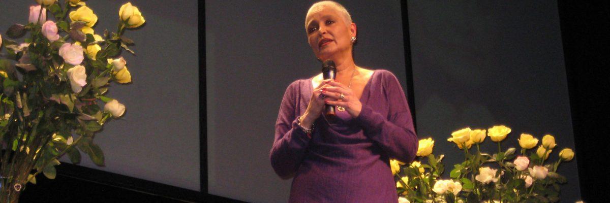 Daniela Romo contra el cáncer de mama