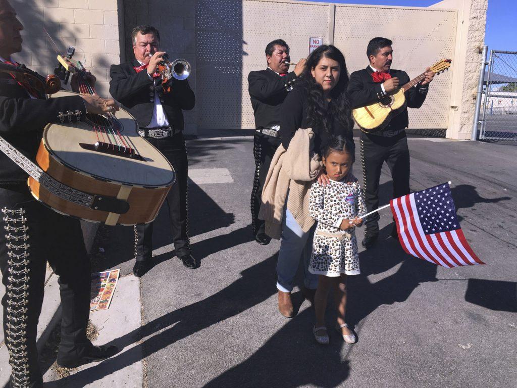 Usa es Mi Barrio: Los latinos seguiremos luchando por esta nación