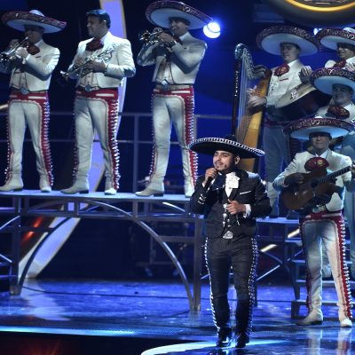 Espinoza Paz and the Mariachi Sol De Mexico, perform
