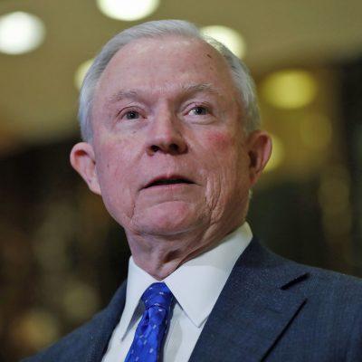 #OMG: Trump eligió al fiscal general más antiinmigrante que pudo encontrar