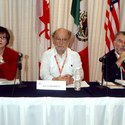From right to left, William Kennedy, Executive Director of the Commission for Environmental Cooperation's North American Environmental Committee,  Jose Sarukhan, chair of the Commission for Environmental Cooperation's advisory group and Donna Tingley, chair of the commission's joint pulic advisory committee, open the comission's symposium on corn and biodiversity in Oaxaca, Mexico, Thursday, March 11, 2004. Mexico's government says genetically modified corn imported from the United States has spread tocornfields in Mexico and a report presented at the conference said gene swaping could one day threaten the country's diverse varities of corn. (AP Photo/Marco Ugarte)