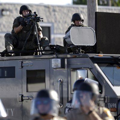 #Intimidación: Con Trump la policía volvería a usar equipo militar