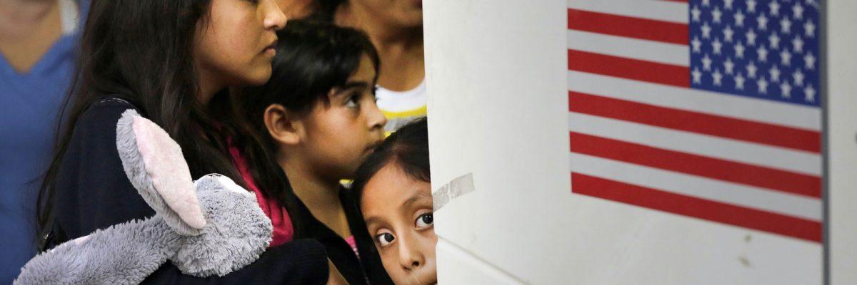 "#EndFamilyDetention: 500 familias liberadas por ""La Migra"" necesitan ayuda inmediata"