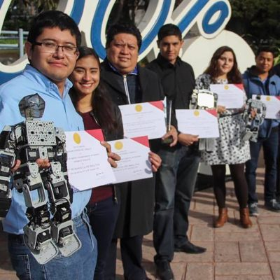 Estudiantes mexicanos de robótica triunfan en China