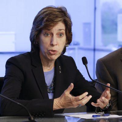 Ellen Ochoa es designada al salón de la fama de los astronautas