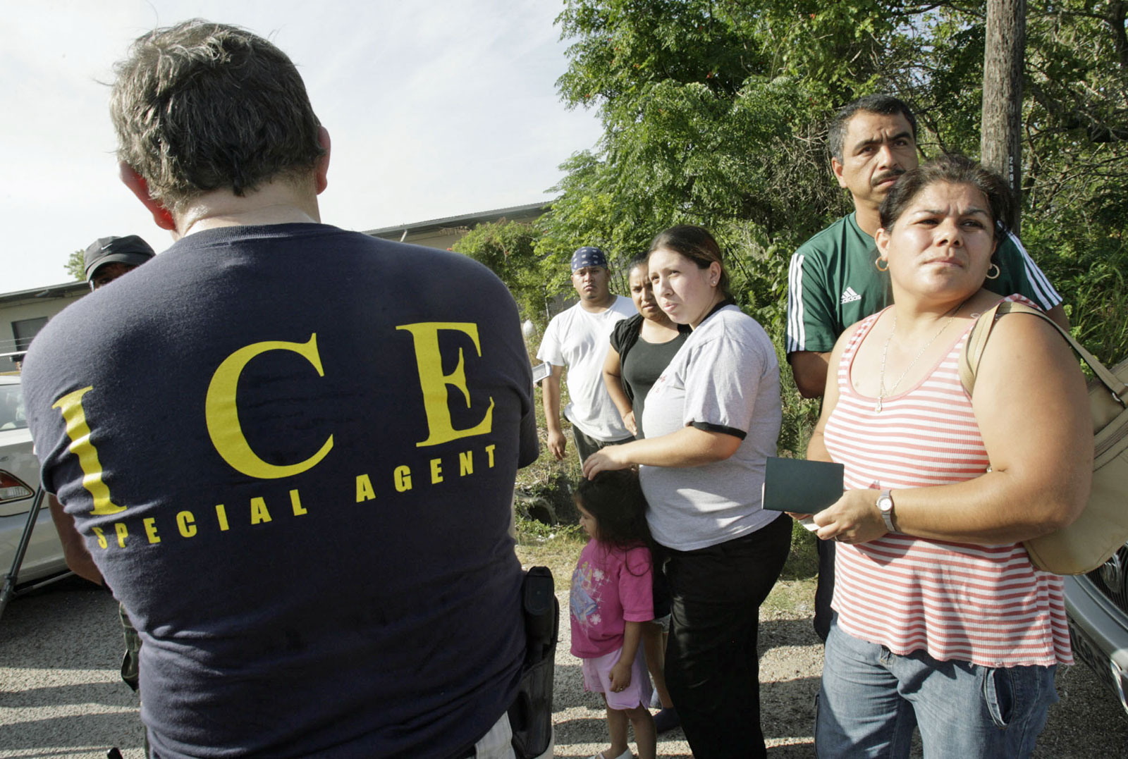 """#Sáquese: El 'sheriff' de Houston ya se unió a los que mandaron al diablo a """"La Migra"""""""