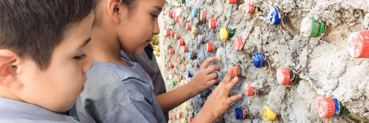 #OrgulloMexicano: Niños de primaria y su maestra construyeron un salón de clases sustentable