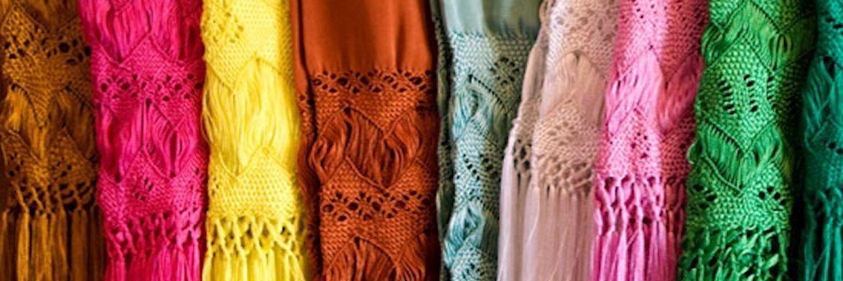 #AbrazoMexicano: El rebozo, esa cálida prenda tejida que nunca pasará de moda