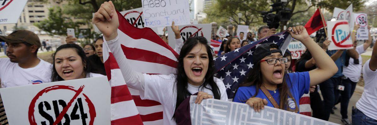 #ÚltimaHora: Juez abofetea la ley antiinmigrante SB4 en Texas y la bloquea