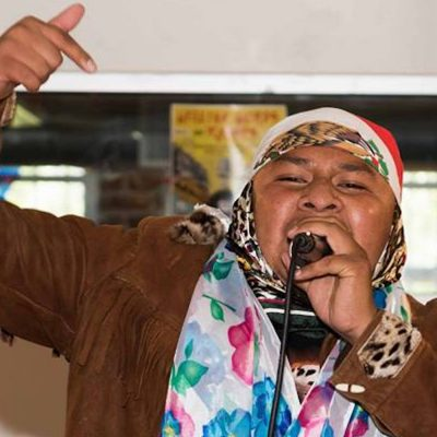 Una Isu, un rapero con letras de corte social.
