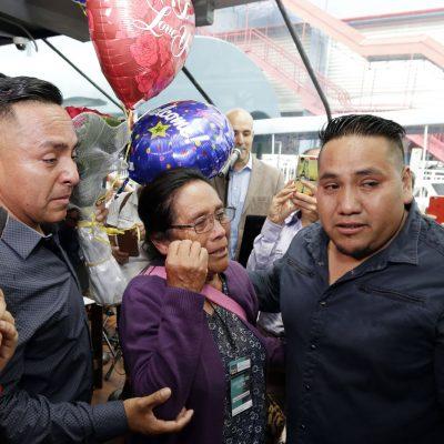 #Emotivo: 27 familias mexicanas lograron reunirse en NYC tras décadas separadas