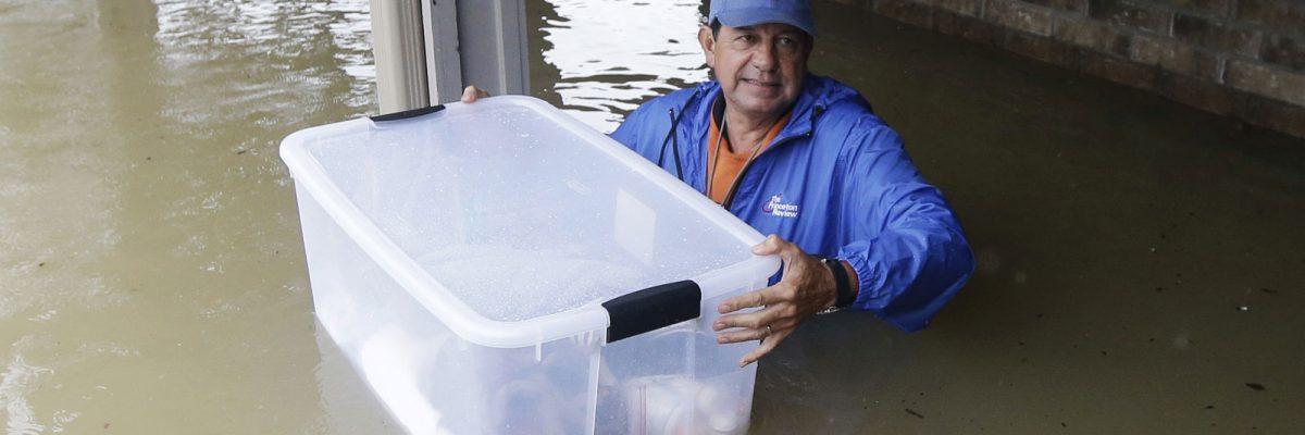 #Harvey: Salen paisanos al auxilio de los damnificados en Houston