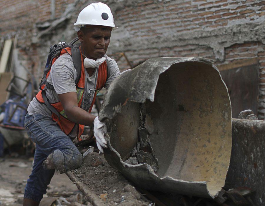 #Campeón: Rescatista amputado muestra que los mexicanos ayudan sin límites