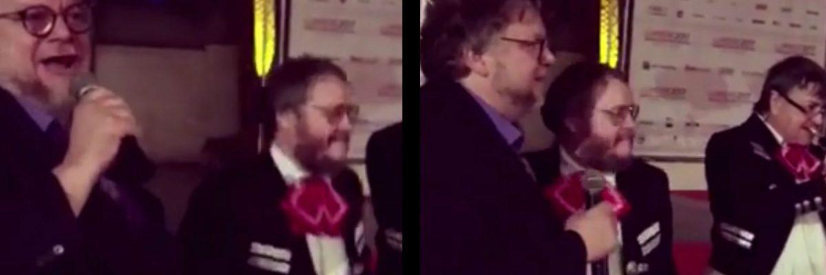 Guillermo del Toro canta con mariachi