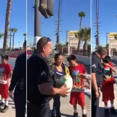 #Conmovedor: Policías de LA detienen a un pequeño paletero mexicano solo para darle un pavo