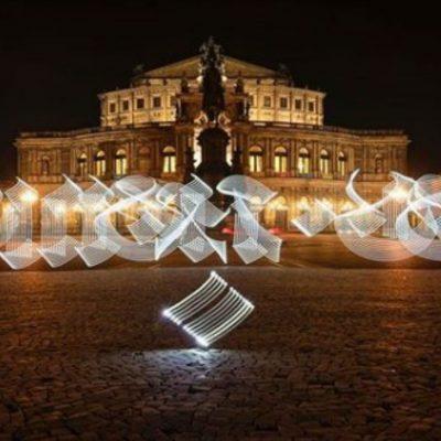 Artistas mexicanos trabajan con luz