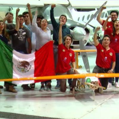 Avión mexicano