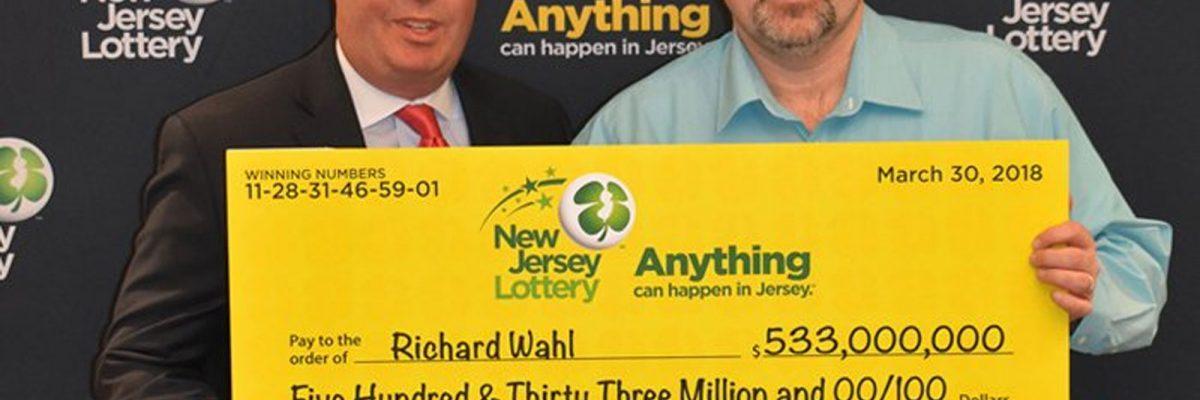 #Suertudo: Ganó 533 millones en la lotería y los compartirá con una familia mexicana
