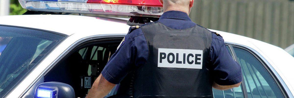 """#JaJa: Degradan a policía por """"broma"""" racista contra mexicanos"""