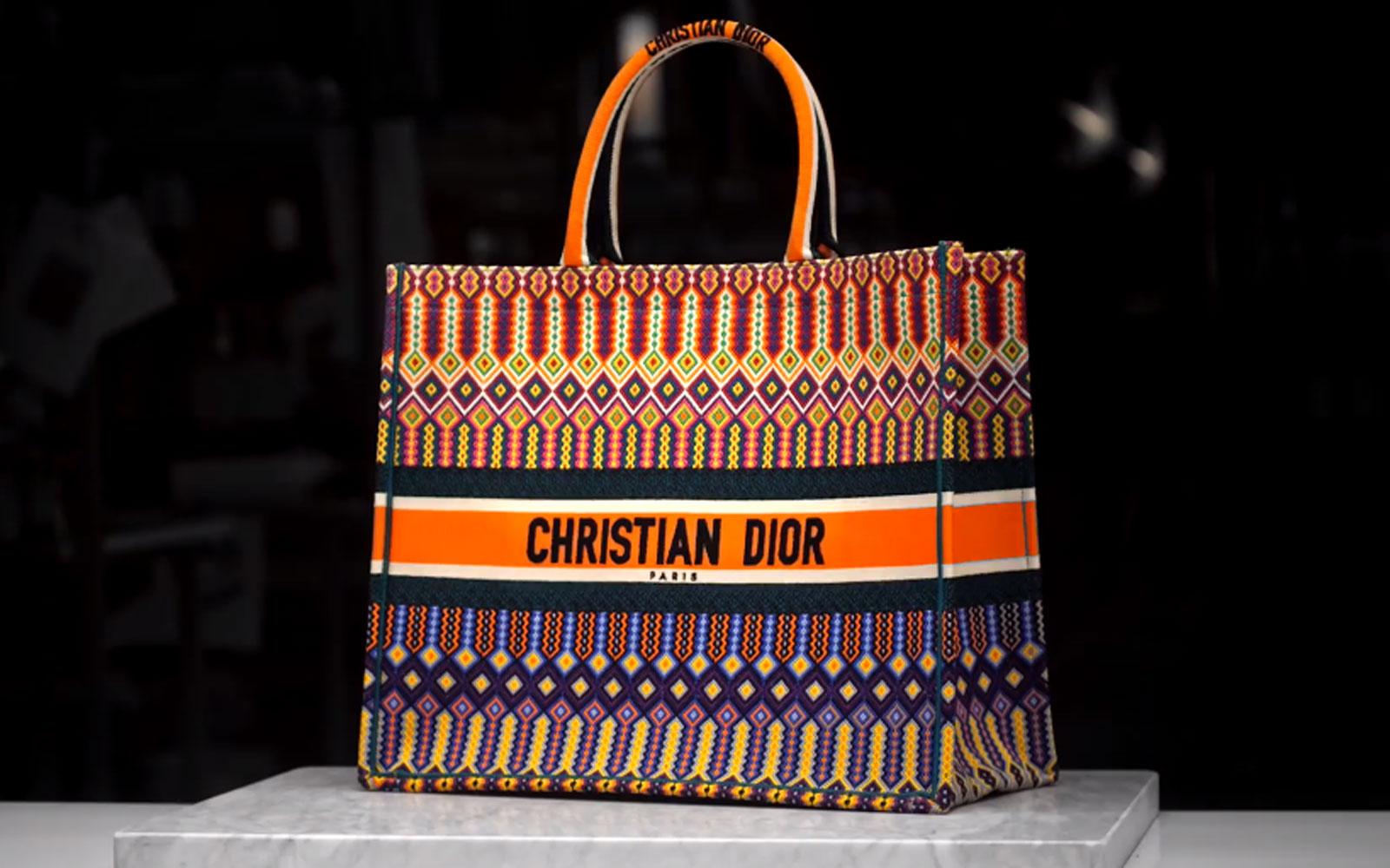 Oferta Ver a través de Largo  Piratas: Christian Dior copia descaradamente los diseños huicholes – Barrio