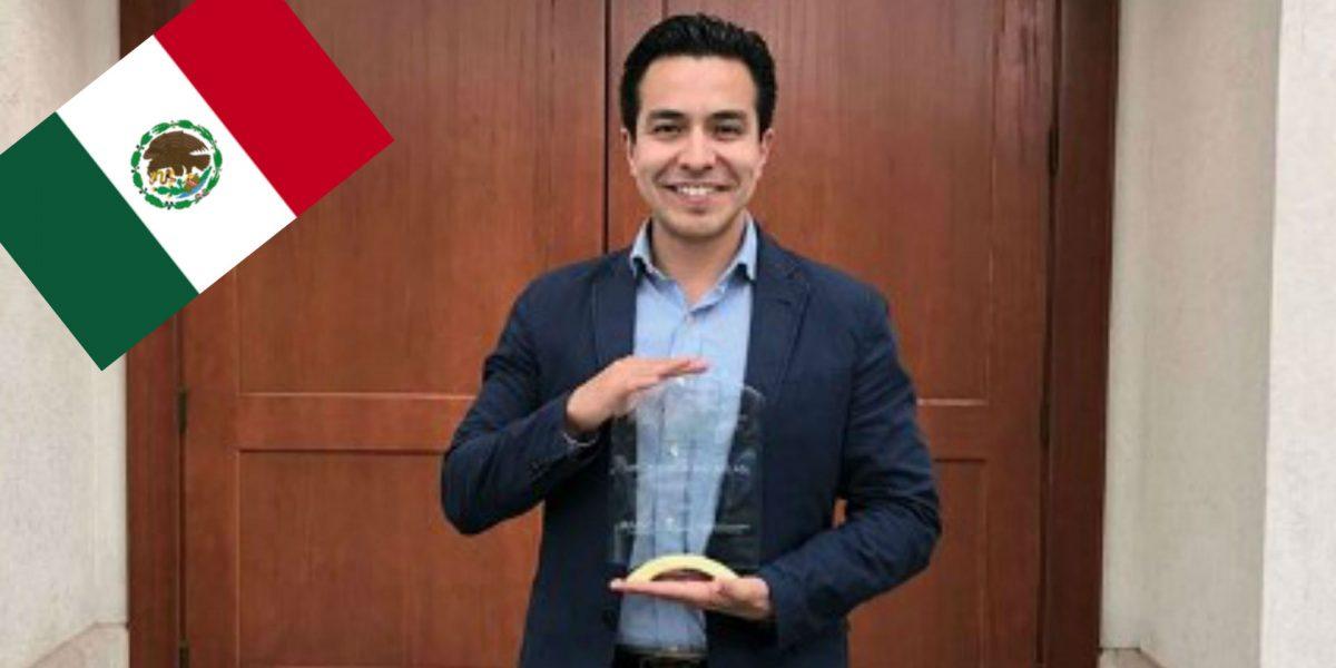 Premian a médico mexicano por sus estudios sobre prótesis de córneas