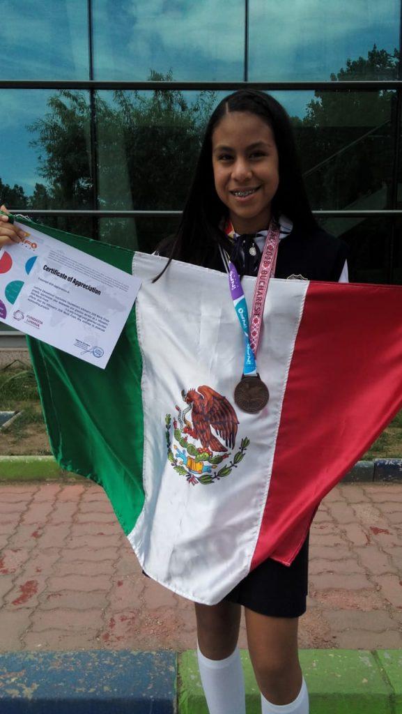 Estudiante mexicana en Infomatrix 2018