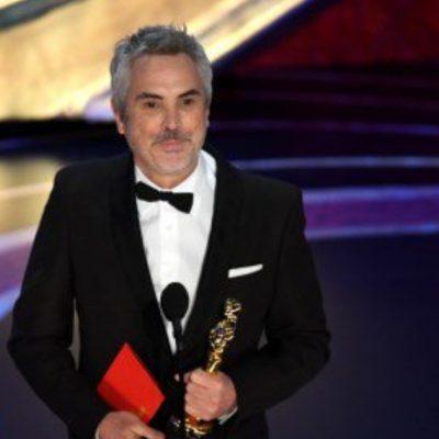 Cuarón vuelve a hacer historia en los Oscar y así aplaudieron su triunfo