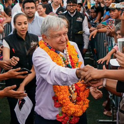 Tras triunfo de AMLO, México escala en tabla mundial de la felicidad