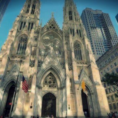 Hombre es detenido al querer quemar catedral de Nueva York