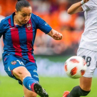 Futbolista mexicana es reconocida con el premio a mejor gol en España