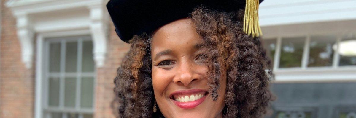 Ella es Marijuana Pepsi y logró el grado de doctorado pese bromas con su nombre