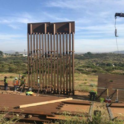 Dice el gobierno de EUA que ya están construyendo el muro