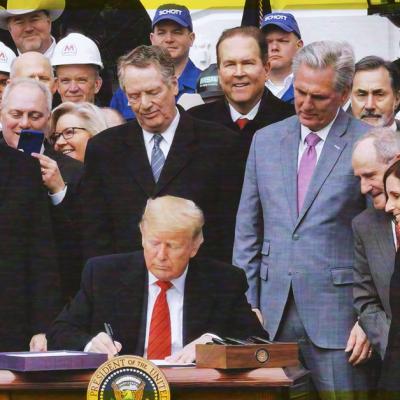 """Trump firma el T-MEC; """"Se acabó la pesadilla para Estados Unidos"""", señala"""